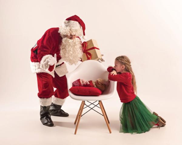 Mẹ nên chọn gì làm quà tặng Noel cho bé gái